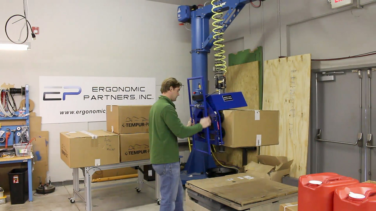Side Box Palletizing Tool Designed to Lift 40lb Flexible Boxes