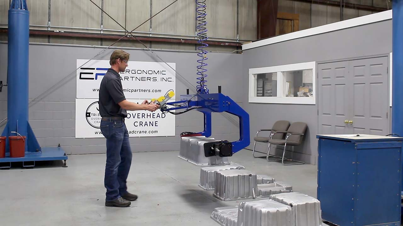 Grip and Power Rotate Lifting Device for Castings