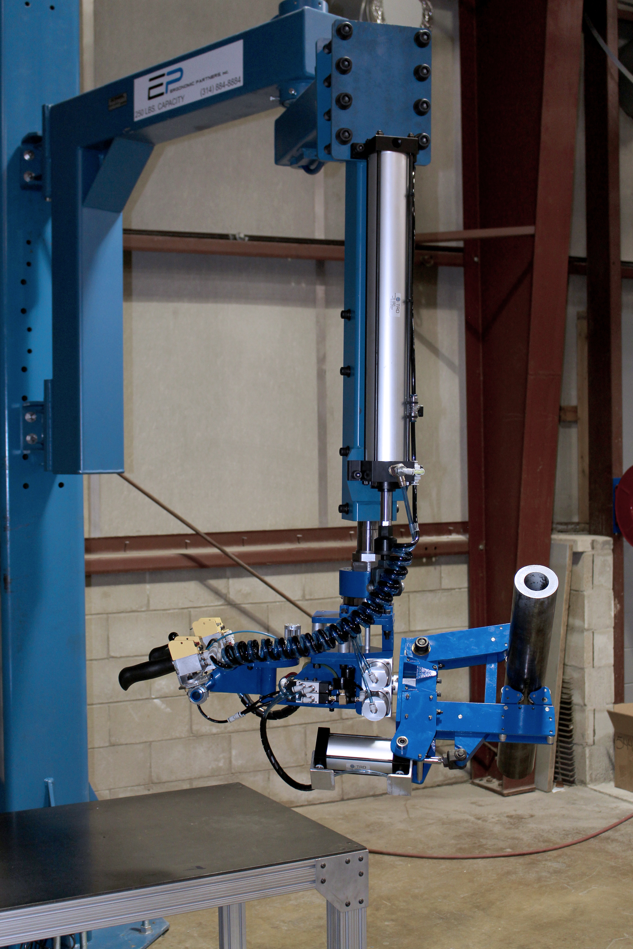 Tool Lift Assist : Ergonomic lift assists and lifting devices for rolls
